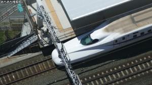 浜松アクトタワー展望台から新幹線