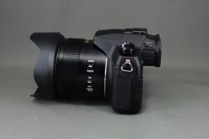 DMC-FZ1000 本妻側面